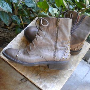 LUCKY BRAND NOLAN Taupe Leather Studded Zip Size 8